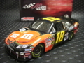 """Action 1/24 ダイキャストモデル  ◆#18 Kyle Busch   """"M&M's/Halloween """"  2010/TOYOTA CAMRY ★LIMITED EDTION  NASCARフェアー"""