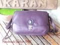 濃い紫のショルダーバッグ・ターコイズ