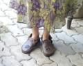 秋にも履けるサンダル革靴・茶色