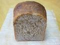 14.ライ麦の丸粒が入ったライ麦食パン(ハーフ)【 焼きたてパン[冷凍]】