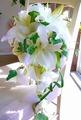 生花カサブランカと天使の羽のふわゆれキャスケード&ブートニア