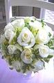 生花純白ローズとグリーンの清楚ラウンドブーケ&ブートニア