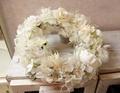 ふんわり白いバラたちのリース