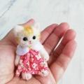 羊毛猫人形(茶とら猫*ピンク花柄服)