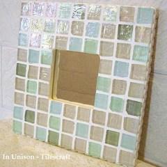 ガラスモザイクタイルの壁掛けミラー パステルMix