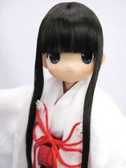 ちぃちちゃん「巫女装束 朱服(黒髪ロング)」