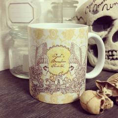マグカップ「棺で眠る少女」