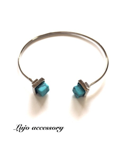 Square turquoise silver bangle