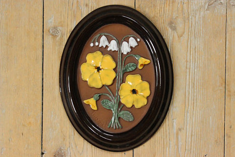 GABRIEL(ガブリエル)スズランと黄色いお花の陶板(S)