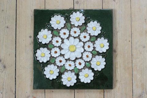 Jie Gantofta(ジィ・ガントフタ)AIMO白い花輪の陶板画(XL)