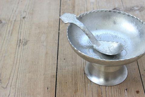 北スウェーデンの民族サーミ(Same)の錫製のミニコンポートボウル(スプーンつき)2