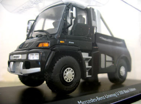 BRABUS Unimog モデルカー