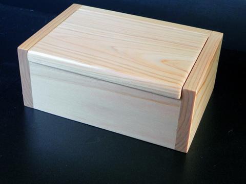 名工「泰喜」のエサ箱-国産ヒノキ製