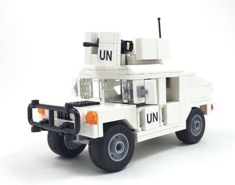 M1025 UN ハンヴィー