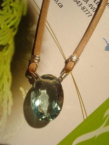 宝石フローライトのネックレス