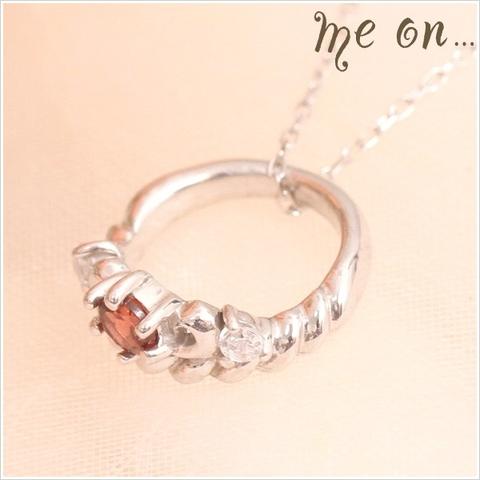 K10ホワイトゴールド・ガーネット&ダイヤモンドティアラモチーフプチネックレス