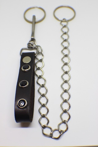 STUDDED WALLET CHAIN