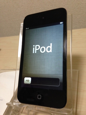 iPod touch 第四世代 8GB《中古》
