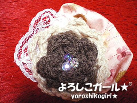 ヘアーピン・バッチ よろしこの花(チョコレート&アイボリー)006