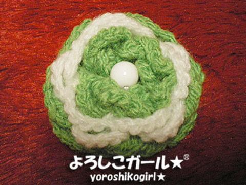 よろしこの花飾り002 グリーン&ホワイト(ヘアピンバッジ小)